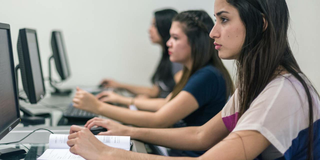 """Administración de Oficinas<span class=""""wtr-time-wrap after-title""""><span class=""""wtr-time-number"""">2</span> min de lectura</span>"""